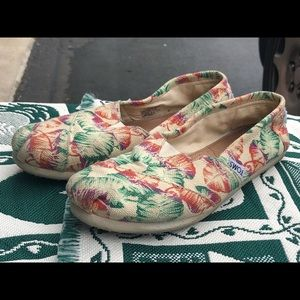 Toms Floral Slip On Loafers Canvas Womens Size 6.5